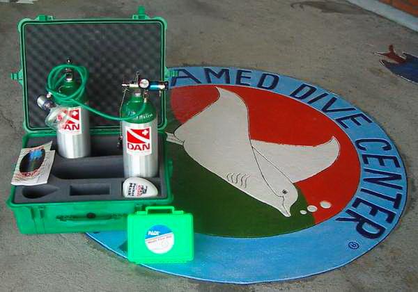 Tauchsicherheit und gute Tauchausrüstung - Sauerstoff für die erste Notfallreaktion