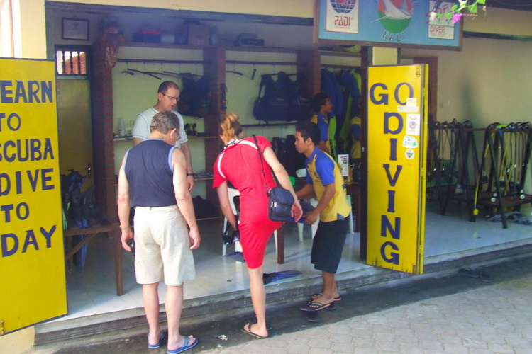 dive shop amed dive center