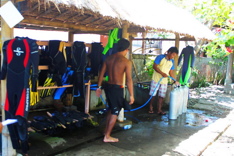 Amed Dive Center maintains its equipment properly