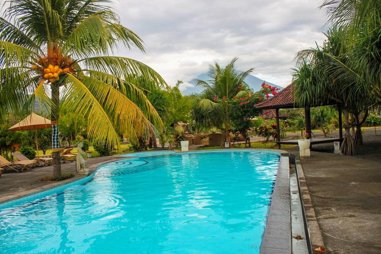 Hotel Unterkunft & Tauchpakete - Strandpool im Hotel Uyah Amed & Spa Resort Bali