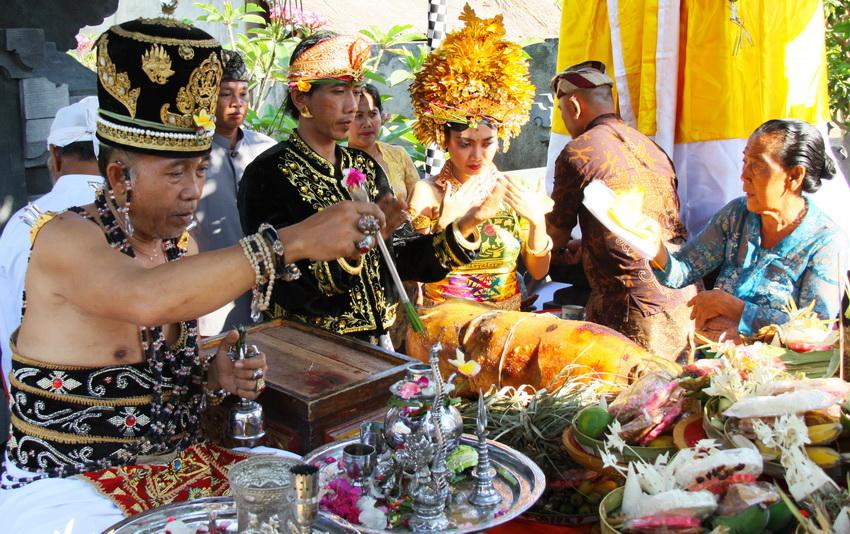 traditionelle balinesische Hochzeitszeremonie
